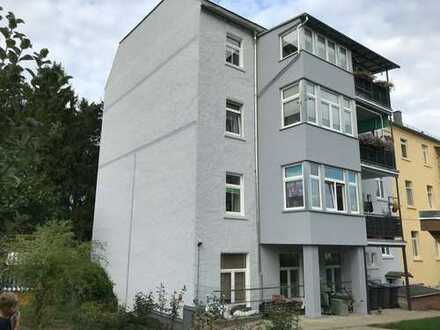Schöne, vollständig renovierte 4-Zimmer-Wohnung mit Balkon und Wintergarten in Auerbach