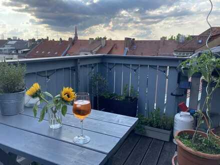 großzügige 4-Raum-Maisonette-Wohnung mit Balkon und Einbauküche in Nürnberg