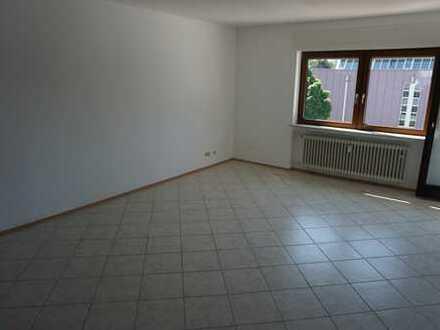 *Zentrumsnahe, moderne 4-Zimmer-Wohnung mit Südbalkon*