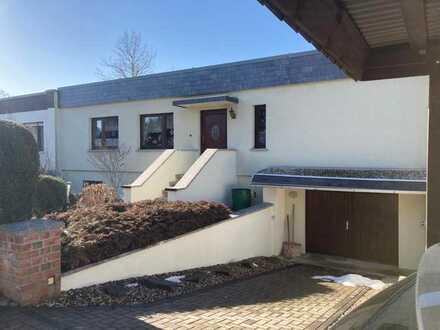 Gepflegter 7-Zimmer-Bungalow mit EBK in Halle (Saale)