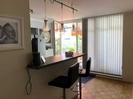 Exklusive 4-Zimmer-Wohnung mit Balkon und EBK in Neuss