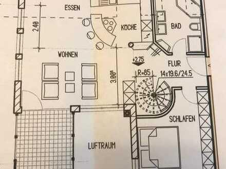 Stilvolle, gepflegte 3,5-Zimmer-Galerie-Wohnung mit Balkon und Einbauküche in Hemhofen