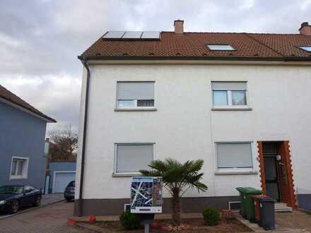 Dopelhaushälfte/Mehrfamilienhaus (4 Wohnungen) in Ilvesheim zur Eigennutzung oder als Kapitalanlage