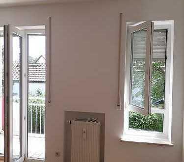 Helle, ruhige, stilvolle 2 Zimmer-Wohnung mit Balkon im Zentrum
