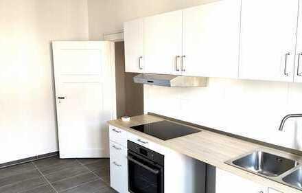 Schöne 1-Raum-Wohnung mit Einbauküche