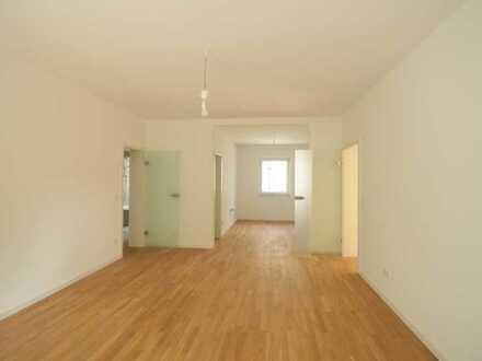 Erstbezug nach Sanierung - Gemütliche 4-Zimmer-Wohnung in zentraler Lage!