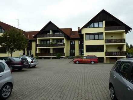 Vollständig renovierte 3-Zimmer-DG-Wohnung mit Balkon in Altenstadt-Oberau Mittelhaus rechts