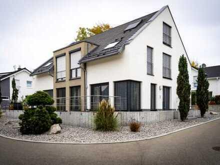 Ansprechende 6-Zimmer-Doppelhaushälfte mit EBK in Calw, Calw-Heumaden