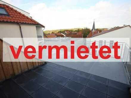 == Traumhafte Dachterrasse mit Blick bis zum Stadtwald ==