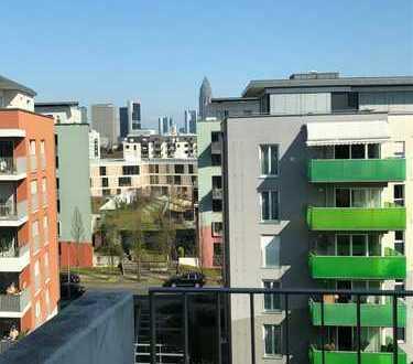 3-Zimmer-Wohnung mit zwei Balkonen, EBK und Skylineblick in Frankfurt, Bockenheim