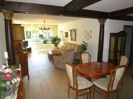 Hochwertige und gepflegte 2 - 4 Zimmer-Hochparterre-Wohnung mit Balkon in Puchheim