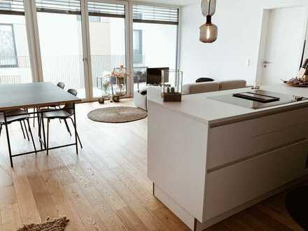 Stilvolle, neuwertige, helle 2-Zimmer-Wohnung mit Balkon und EBK in Isny im Allgäu
