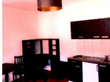 1 Zimmer, möbliert, kleine Küche, 2 Personen benutzen ein Bad, Wlan, SAT, Balkon, 500m zur FH