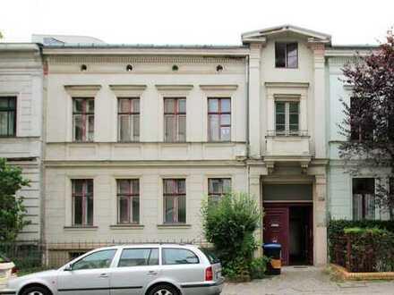 *Rarität* Praxishaus mit Einliegerwohnung und absoluter Top-Anbindung in Tempelhof
