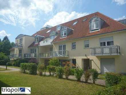 Geräumige 1-Zi-Dachgeschosswohnung mit Laminatboden in ruhiger und grüner Stadtrandlage.