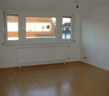 Helle 2,5-Zimmer-Dachgeschosswohnung