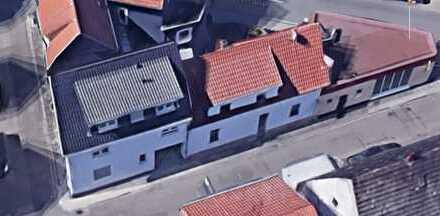 Zwei Einfamilienhäuser und ein gut laufendes Dönergeschäft