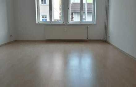 Gepflegte 2-Zimmer-Hochparterre-Wohnung mit Terrasse und Einbauküche in Fürstenwalde