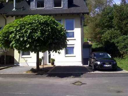 Schöne, moderne Wohnung in Ruhiglage in Rösrath-Hoffnungsthal