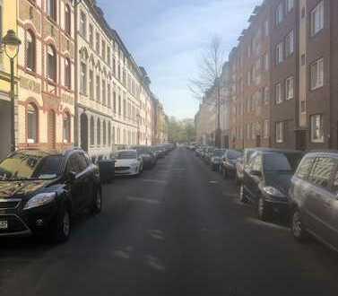 Kernsanierte und möblierte Eigentumswohnung mit Balkon in Südlage