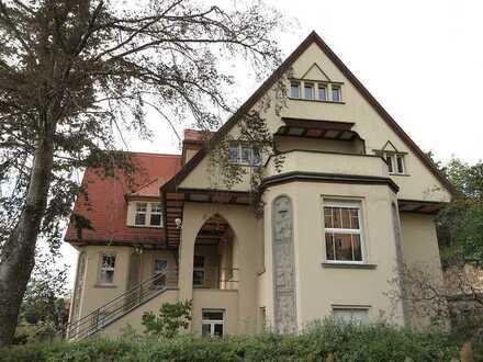 Bezugsfrei! Denkmal - Villa in exklusiver Traumlage sucht neuen Besitzer.