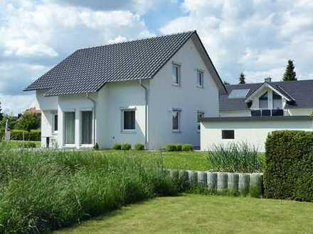 Neuwertiges Einfamilienhaus in bevorzugter Wohnlage!