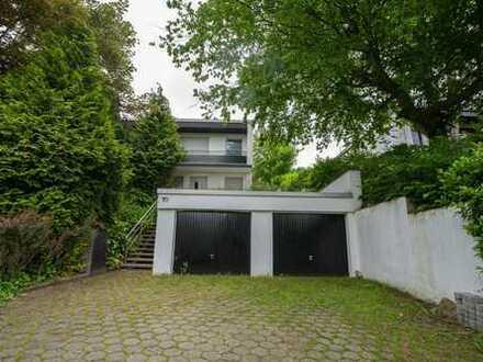 Schönes, geräumiges Haus mit fünf Zimmern in Mülheim an der Ruhr, Heißen