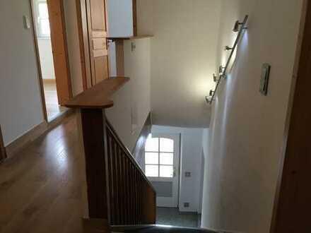 Das Haus im Haus: 4-Zi-Wohnung in historischem Zweifamilienhaus mit separatem Eingang in Aichtal