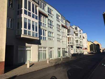 Sonnige 1 Zimmer Wohnung mit Wintergarten und barrierefreien Zugang