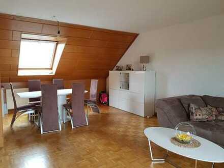 Tolle Dachgeschosswohnung für die kleine Familie