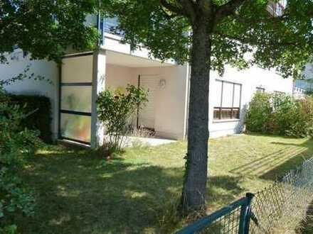 Sehr gepflegte 2-Zimmer-Erdgeschosswohnung mit Garten im schönen Haunstetten, lukrativ vermietet!