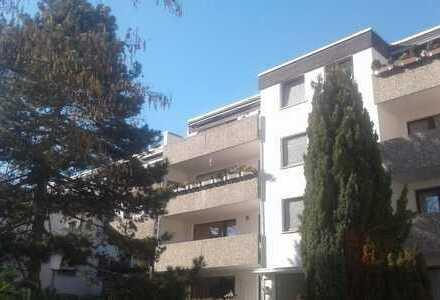 PROVISIONSFREI !!!! Schöne 3-Zimmer-Wohnung in Refrath mit Balkon und Aussengarage