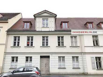 IMMOBERLIN: Perfekt positioniert, gebaut & ausgestattet - vermietete Wohnung mit Südbalkon