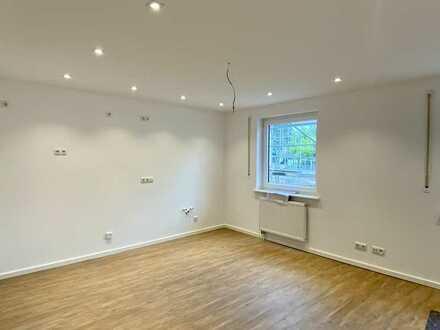 Erstbezug nach Sanierung: 2-Zimmer Wohnung mit moderner Einbauküche und Terrasse in Lichtenfels