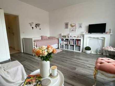 Moderne Einzimmerwohnung im Herzen Wiöhelmshavens - möbliert