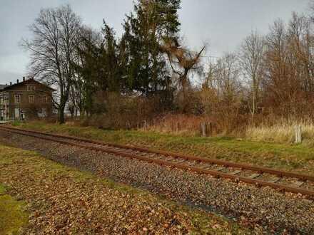 3144 m² Lagerfläche Gartenland mit Wiese und Bäumen direkt am Bahnhof Stolpen
