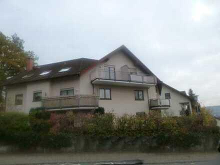 Bad König: 3-Zimmer Wohnung unterm Dach