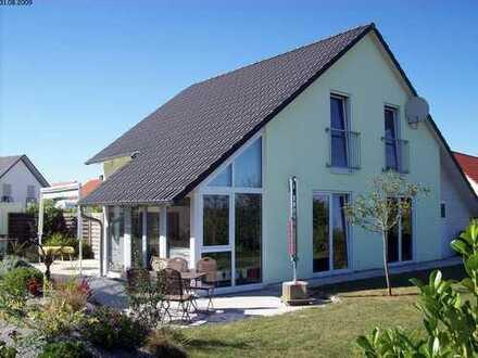 Nettes helles Einfamilienhaus mit Alpenblick in ruhiger Umgebung