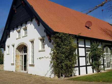 Repräsentatives Fachwerkhaus in sehr schöner ländlicher Lage