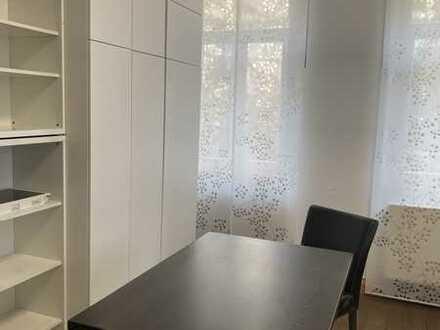 Möblierte 2-Zimmer Wohnung mit großem Balkon und Küche
