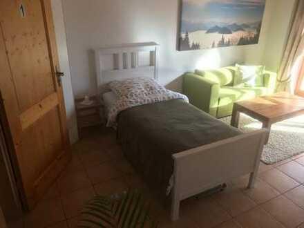 Möbliertes WG Zimmer mit XXL Süd-Balkon | Ausblick in die Alpen | An der Isar