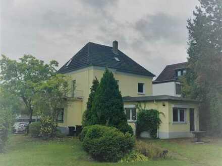 Wohnhaus mit Garage und großem Garten in Iserlohn - Letmathe