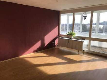 lichtdurchflutete 3-Zimmer-Wohnung mit Balkon und EBK in Coburg