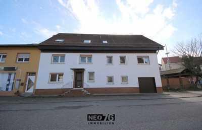 Modernisiertes 6-Zimmer-Haus mit EBK in Jettenbach zu vermieten