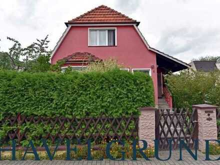 Für Handwerker: Einfamilienhaus mit kleinem Nebengelass - in Falkensee-Finkenkrug