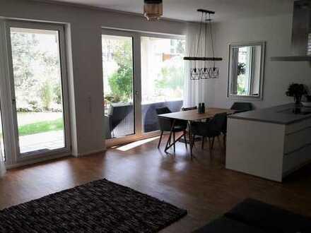 Wunderschöne 3-Zimmer-Wohnung mit eigenem Garten in Sachsenhausen