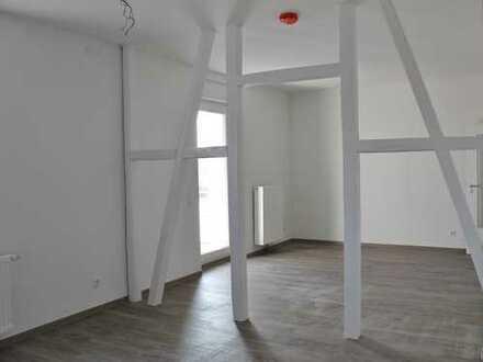 Helle, neuwertige 3-Zimmer Mietwohnung mit Balkon!