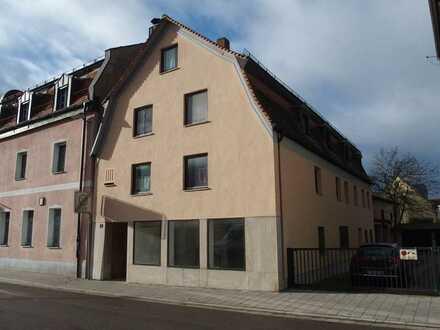 Attraktive 3-Zimmer-Wohnung mit Einbauküche in Regensburg, Stadtteil Reinhausen