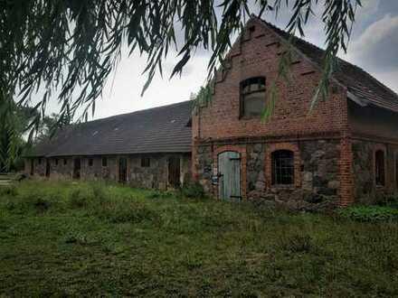Grundstück mit ehemaligem Stallgebäude