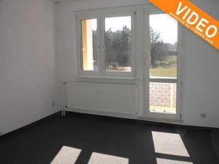 helle, renovierte 3-Raum- Wohnung mit BALKON in 1. OG